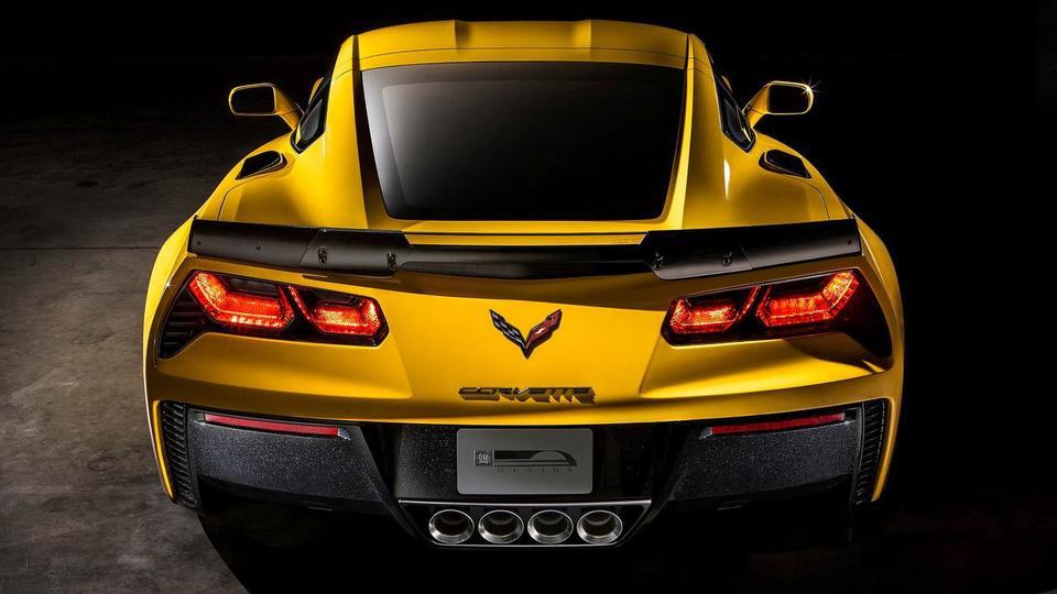 423893_1966_big_2014-Corvette-Z06-15